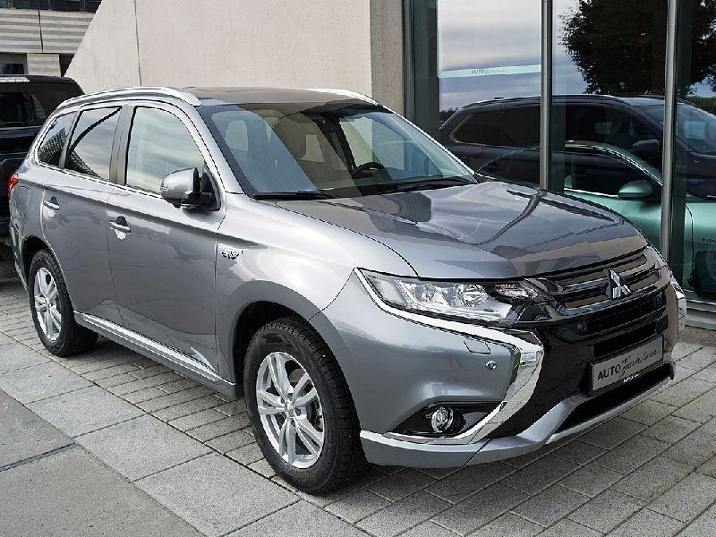 Mitsubishi Outlander IV