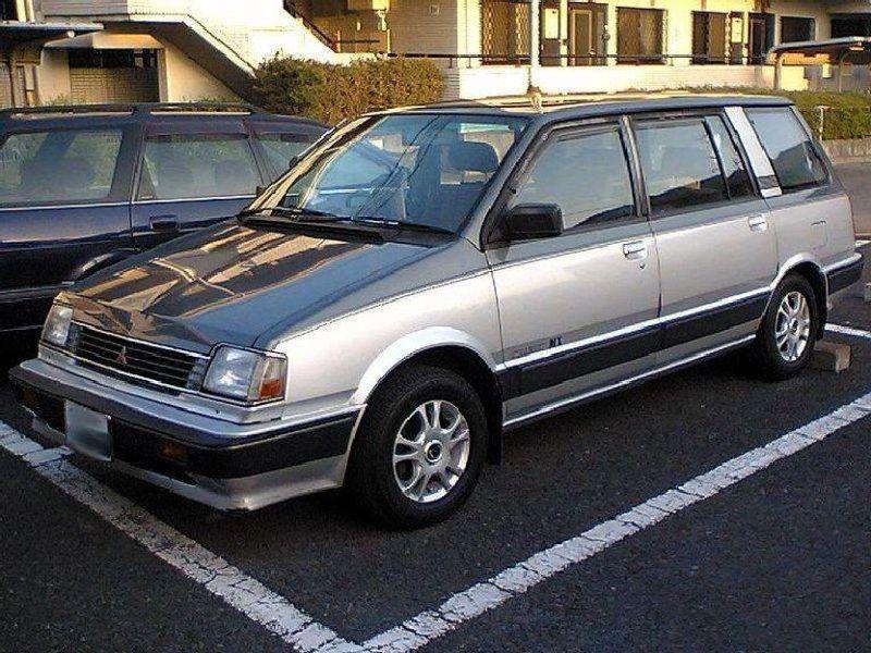 Mitsubishi Space Wagon (D0_W)